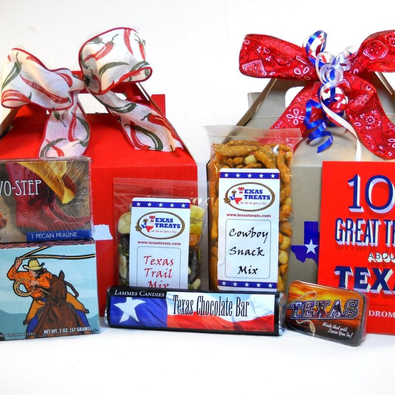 Hello Texas Food and Souvenir Gift Set Medium