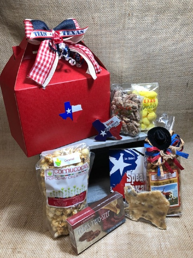 Hello Texas Food and Souvenir Gift Set Large 1